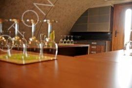 Interiér vinného sklepa, variantní úprava vnitřních povrchů