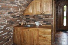 dřevěná kuchyňská linka z masivu