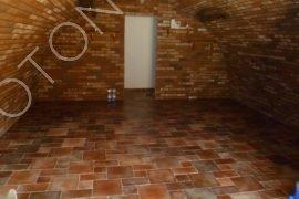 finální úpravy podlah a stěn