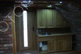 kuchyňský kout a sociální zařízení